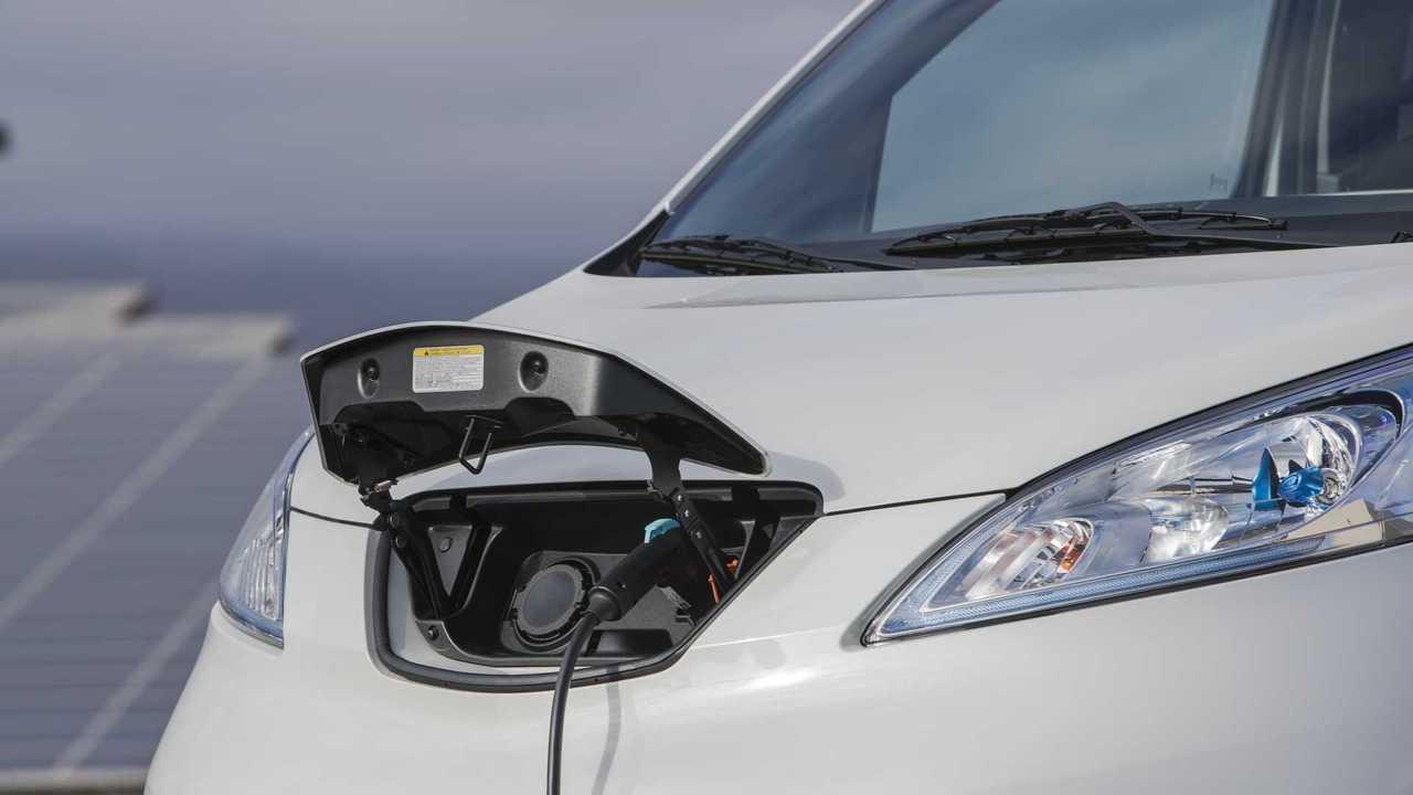 Nissan Strategia Small Van