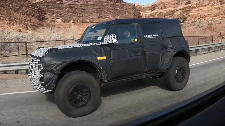 2021 Ford Bronco Warthog bu kez şehir içerisinde görüntülendi