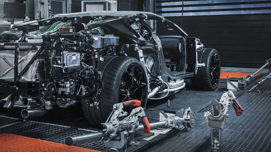 Посмотрите, как Bugatti готовится к производству Centodieci