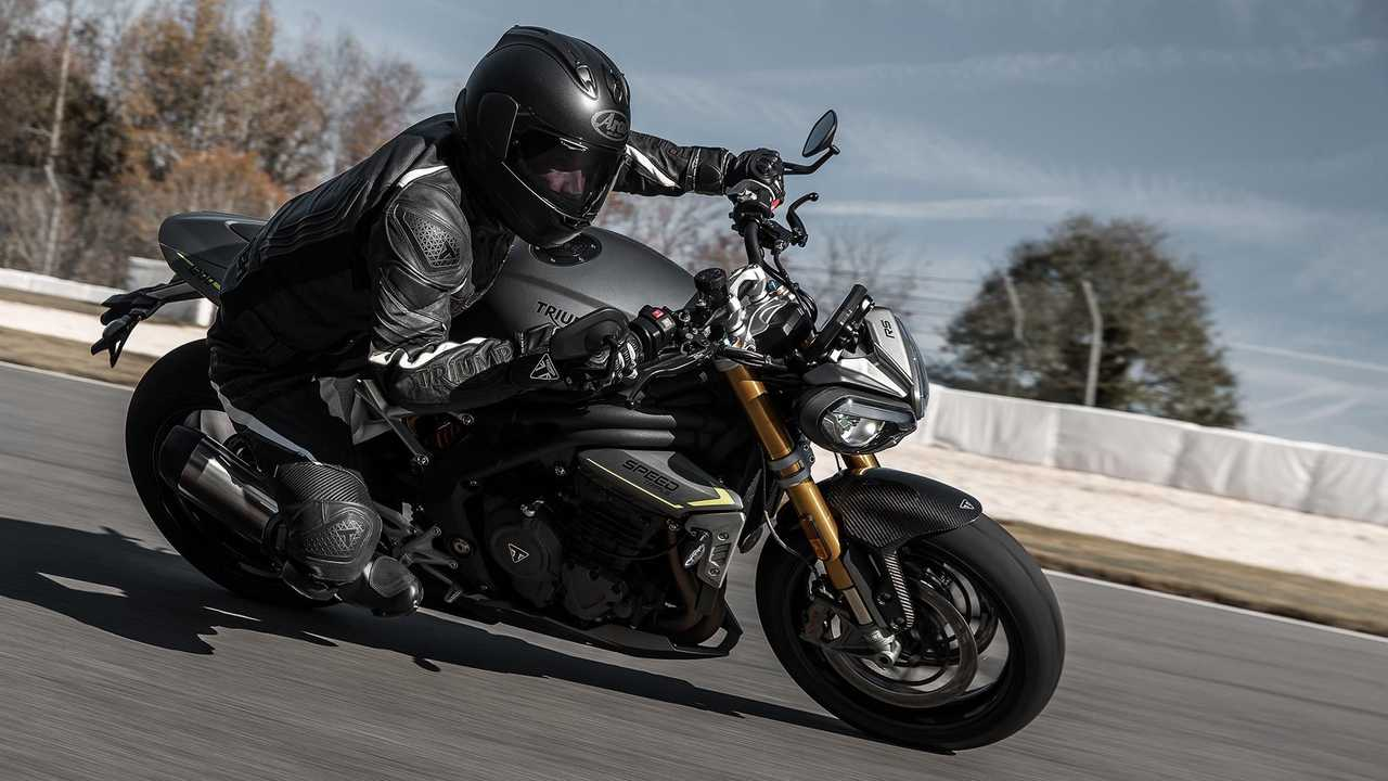 2021 Triumph Speed Triple 1200 RS, Action, Track, Lean in