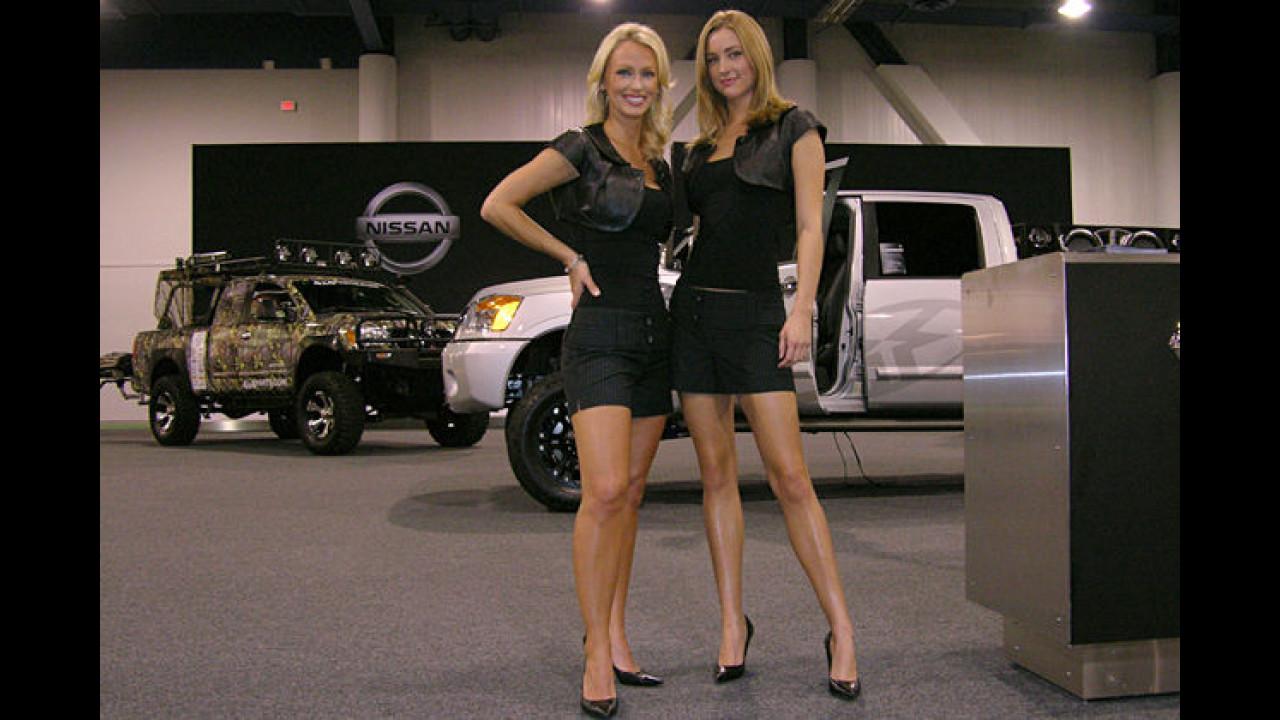 Nissan kam gleich mit zwei hochbeinigen Exemplaren auf die Show