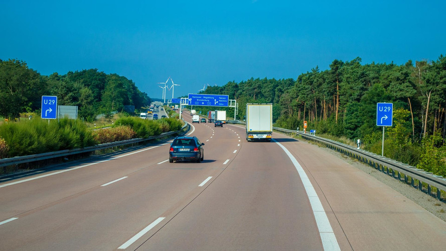 Érvénybe lépett a 100 km/h-s sebességhatár a holland autópályákon