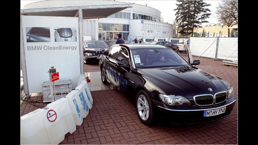 BMW: Wasserstoffautos und Elektrofahrzeuge präsentiert