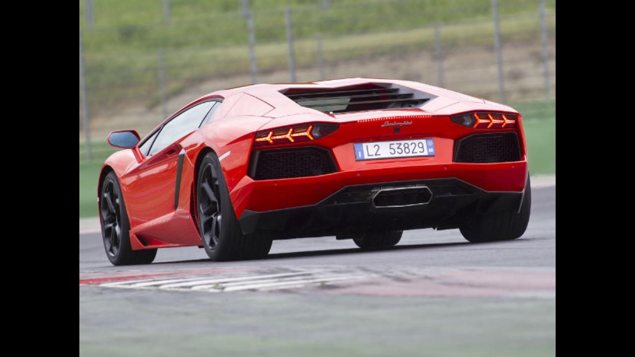 """Lamborghini não quer saber de esportivos híbridos: """"são muito pesados e caros"""""""