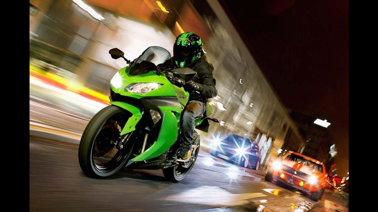 Kawasaki Ninja 300 chega às lojas na segunda semana de dezembro - preços partem de R$ 17.990