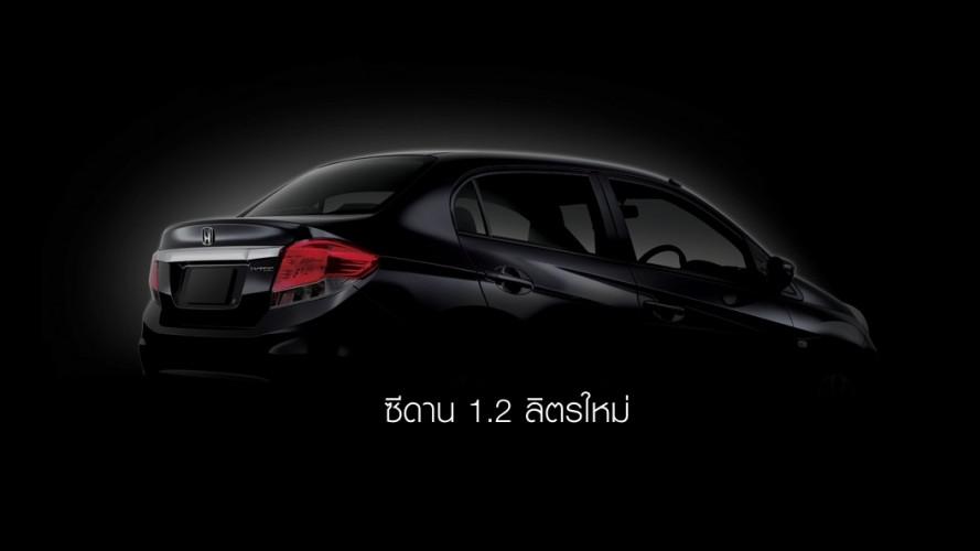 Novo sedã compacto derivado do Honda Brio se chamará Amaze
