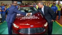 Ford Fusion começa a ser produzido nos EUA para encarar Camry em volume