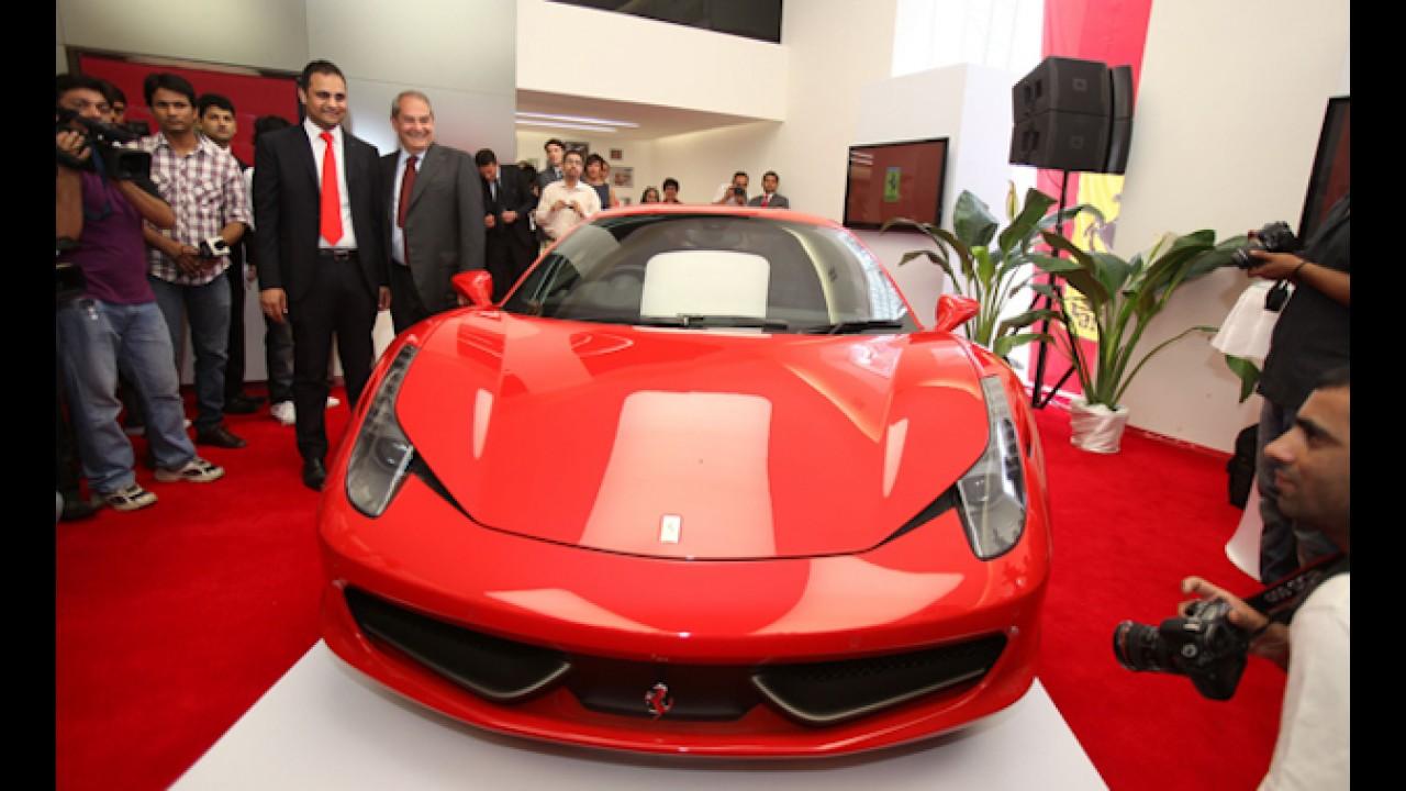 Ferrari inaugura sua primeira concessionária na Índia
