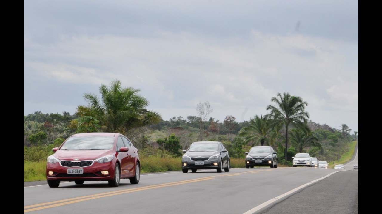 Volta Rápida - Kia Cerato evolui, mas derrapa no custo-benefício