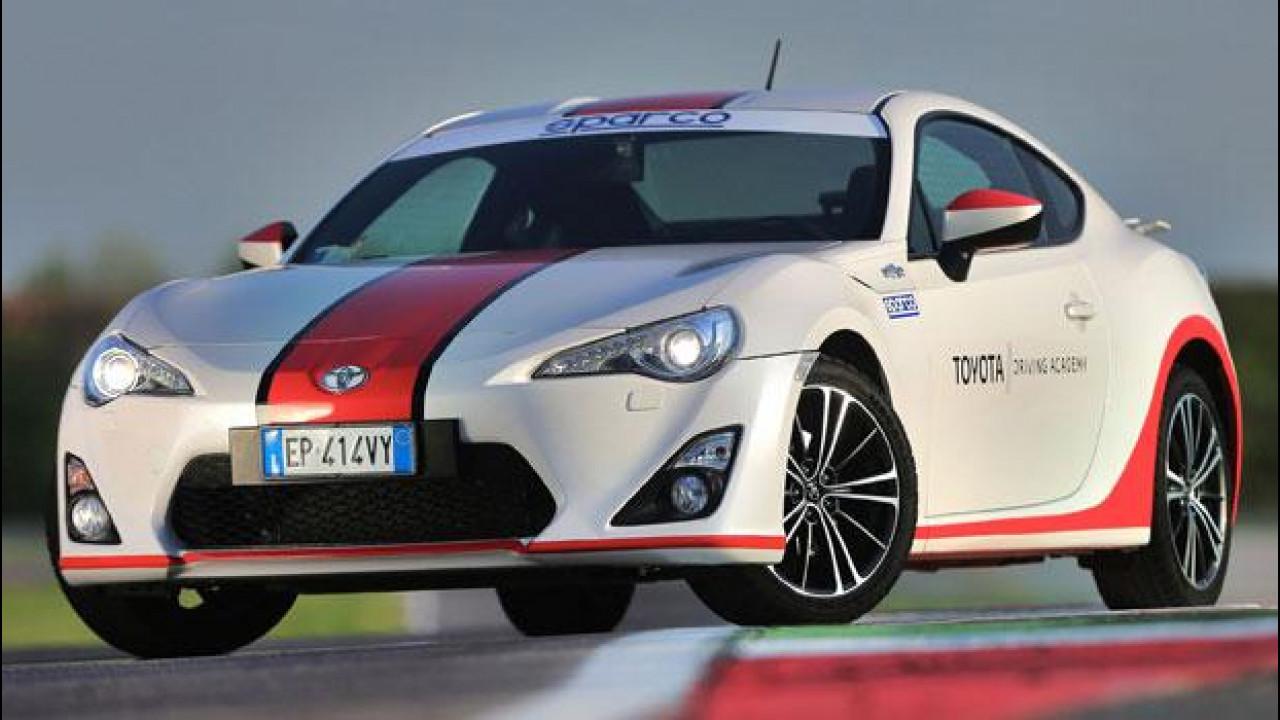 [Copertina] - Toyota presenta la Driving Academy, fra emozioni e sicurezza