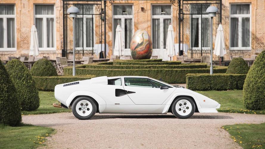 De l'or dans une Lamborghini Countach