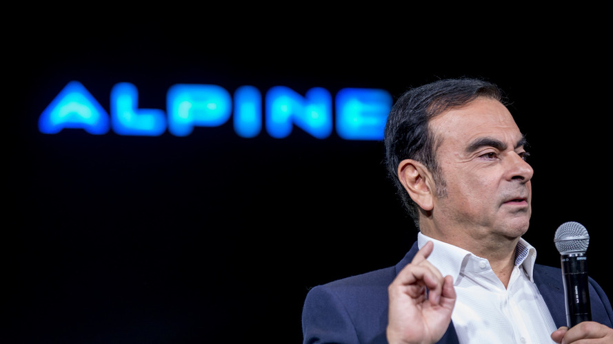Carlos Ghosn to remain in charge at Renault