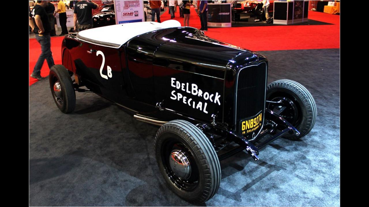 1932 Ford Edelbrock Roadster