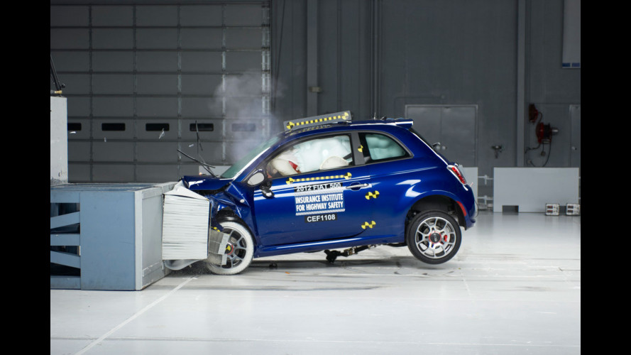 Fiat 500 riceve 3 stelle nei crash test USA