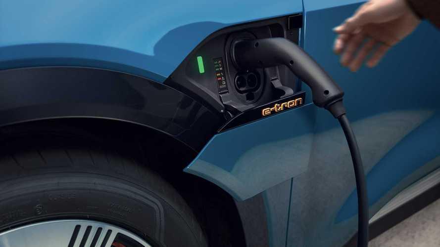 Auto elettriche, ecco come scendono i prezzi grazie agli incentivi