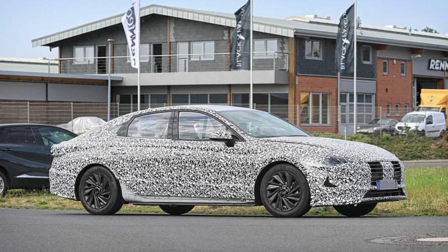 Hyundai i40 (2019) als Erlkönig erwischt