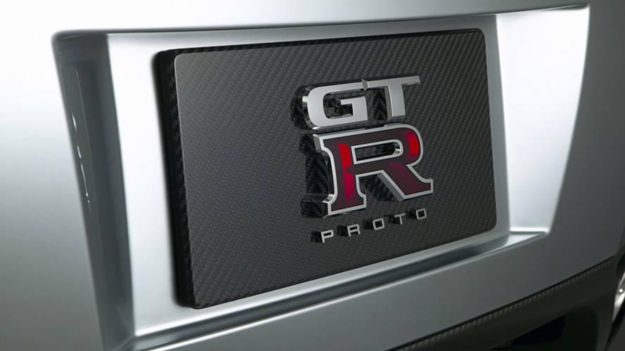 Nissan GT-R ve BMW M440i arasındaki yarış tatsız bitti