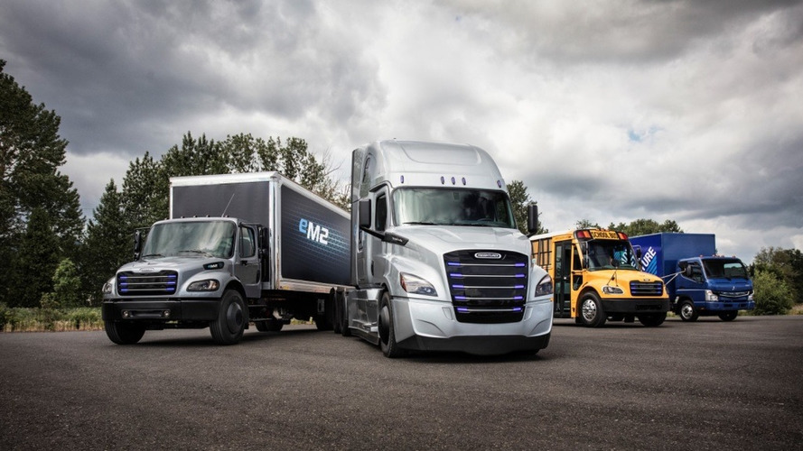 Daimler unveils Tesla-rivalling electric trucks