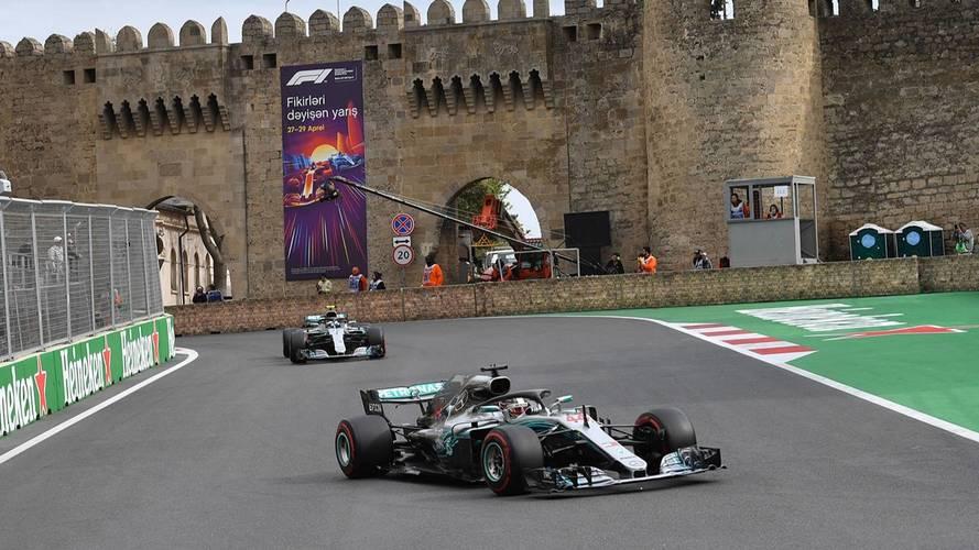 Fórmula 1 - Hamilton herda vitória em GP frenético no Azerbaijão