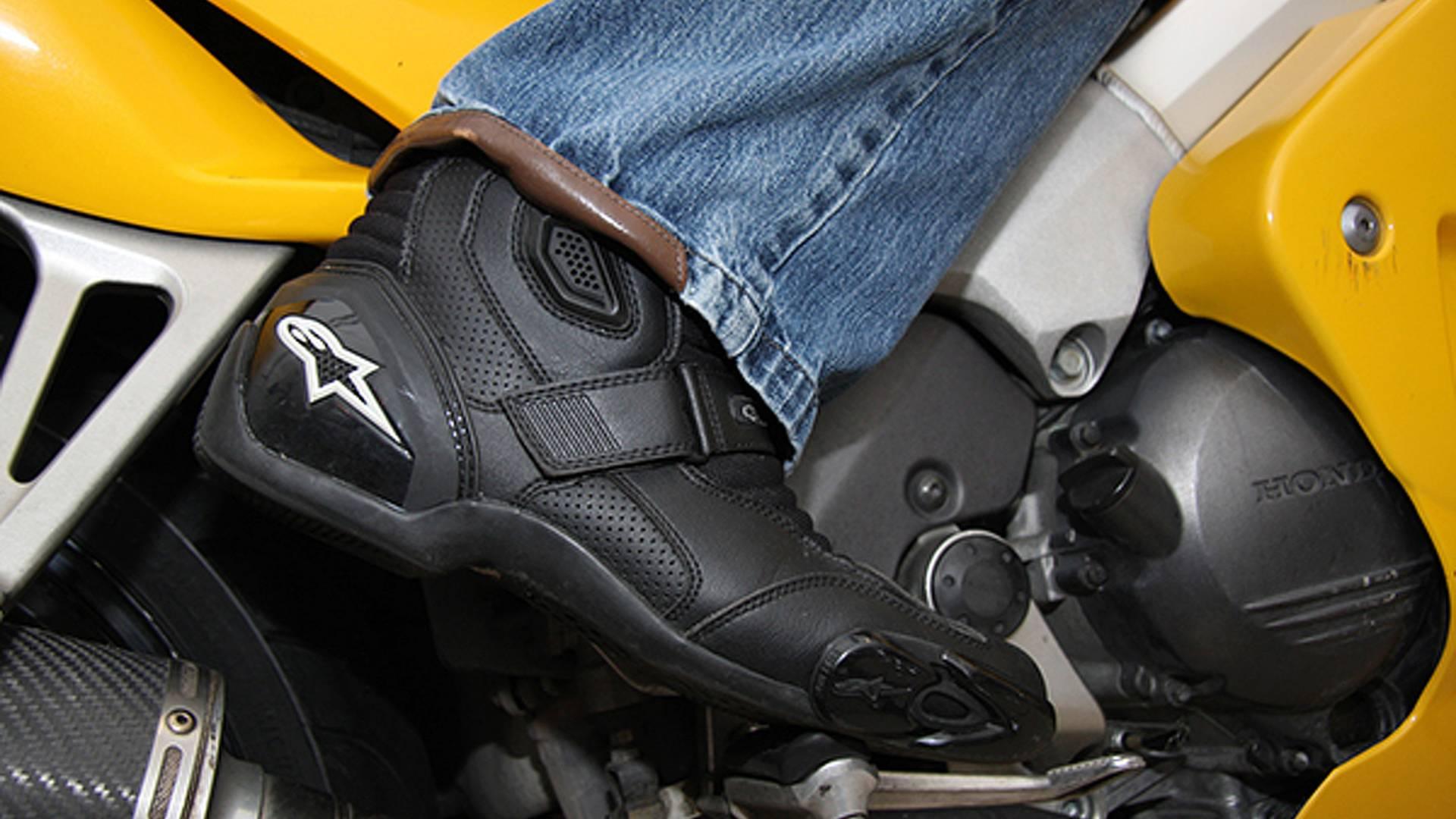 584d814f018 Gear  Alpinestars SMX-1 boots