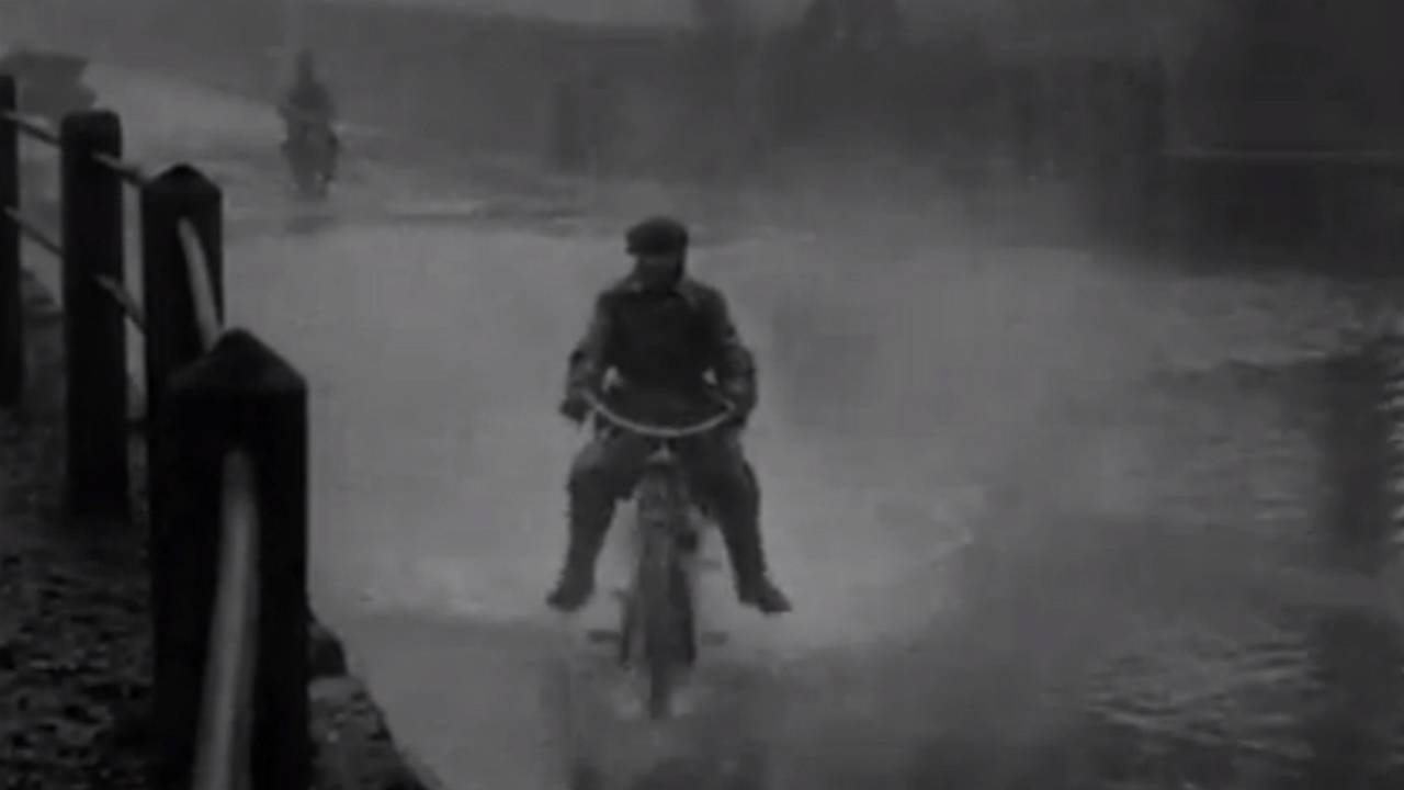 Film Vault: Testing British Army Motorcycles in 1915