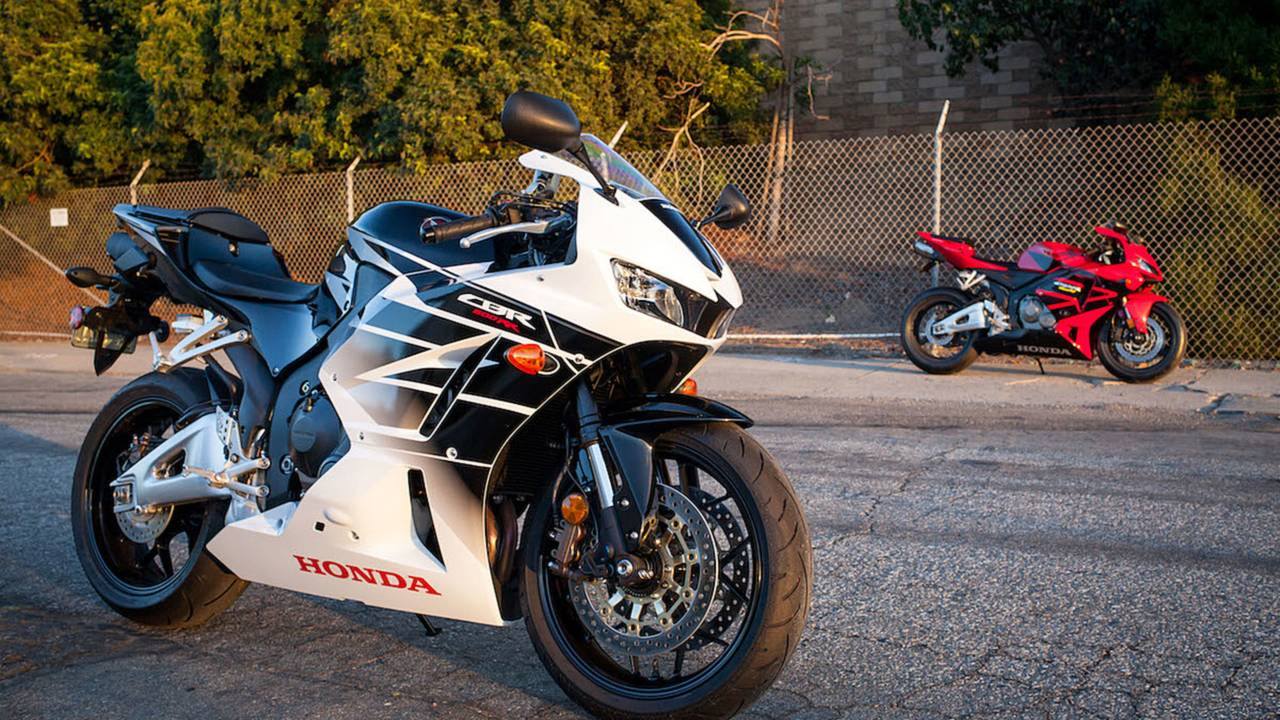 2016 Honda Cbr600rr With 2005 In Background