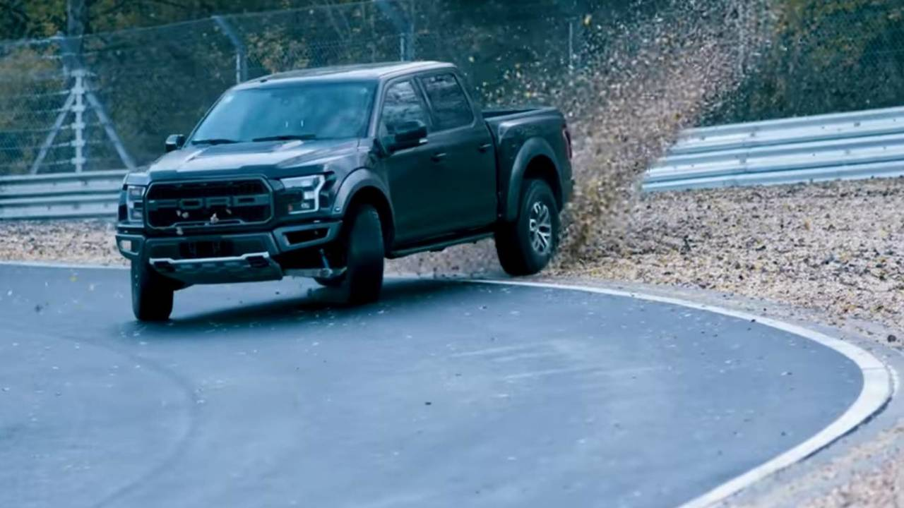 Ford Raptor drift
