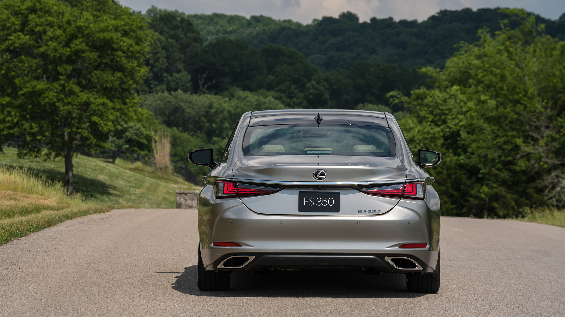 2019 Lexus Es 350 First Drive Not Everyone S An Athlete