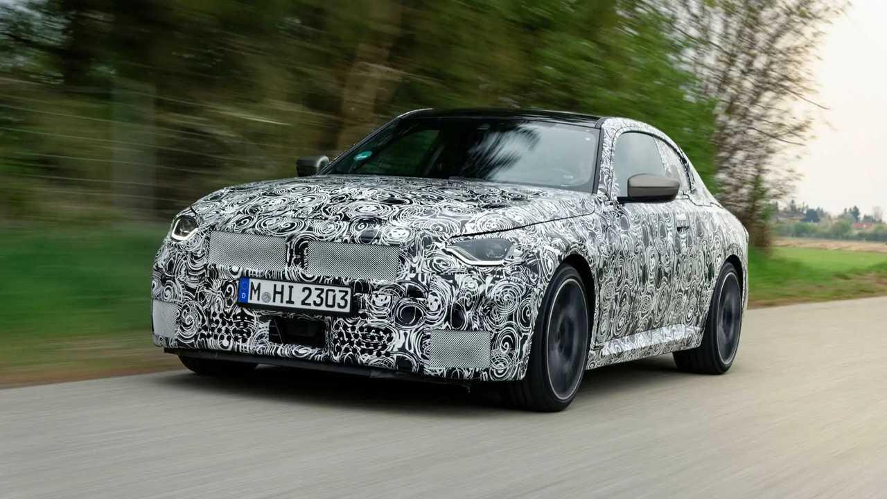 2022 BMW 2-es sorozatú Coupe álcázott M240i prototípus