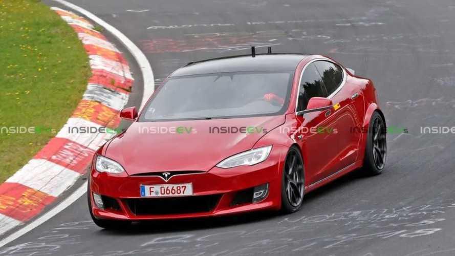 Tesla tente de battre le record du tour de Laguna Seca !