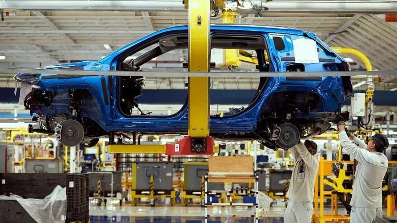 FCA Grubu'nun Jeep Compass'ı da ürettiği Melfi fabrikasından bir kare.
