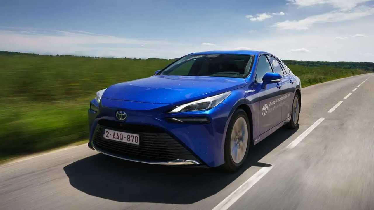Toyota Mirai ön cephe