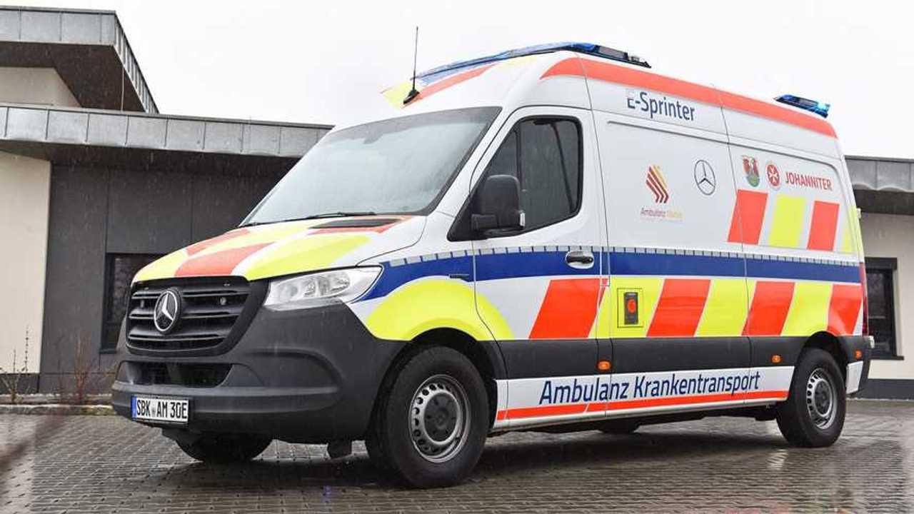 Auf Basis des Mercedes eSprinter entstand ein Elektro-Krankenwagen