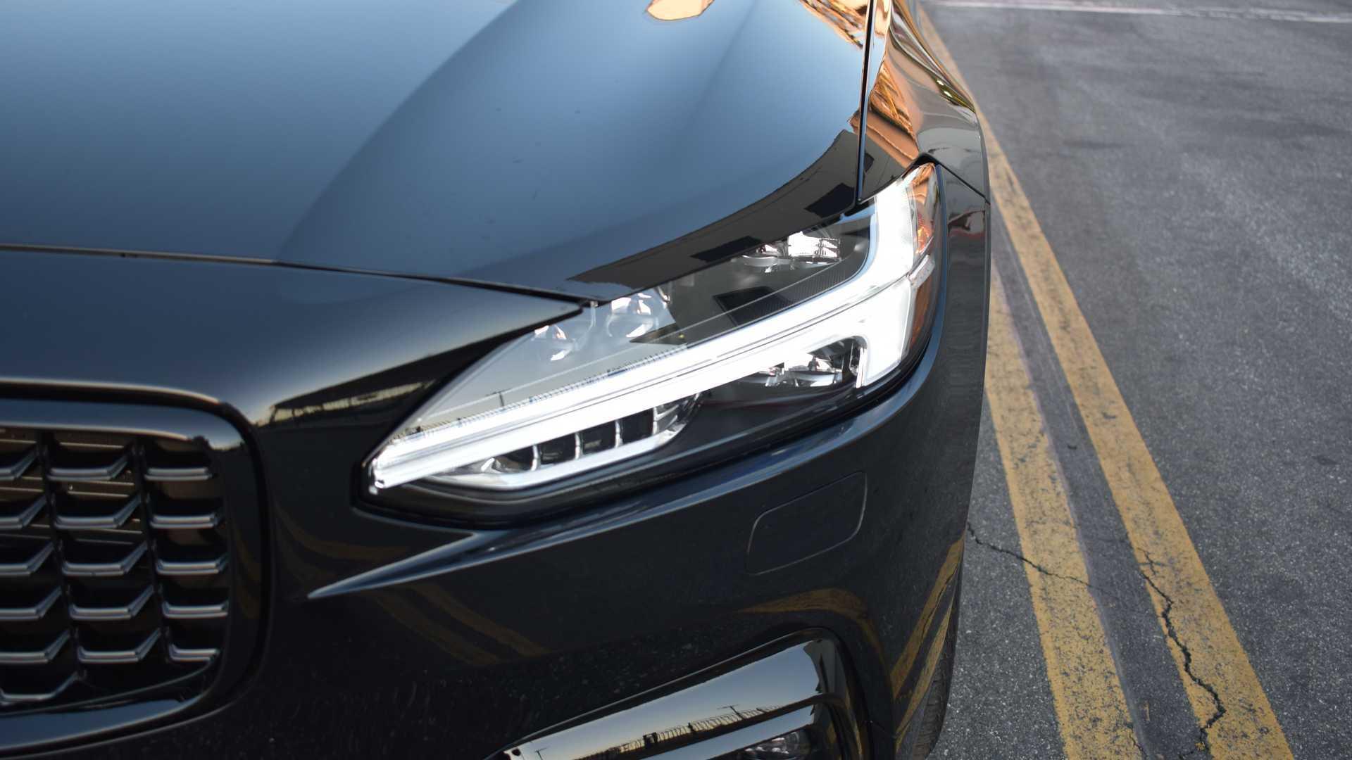 2021-volvo-v90-t6-r-design-awd-exterior-headlight.jpg