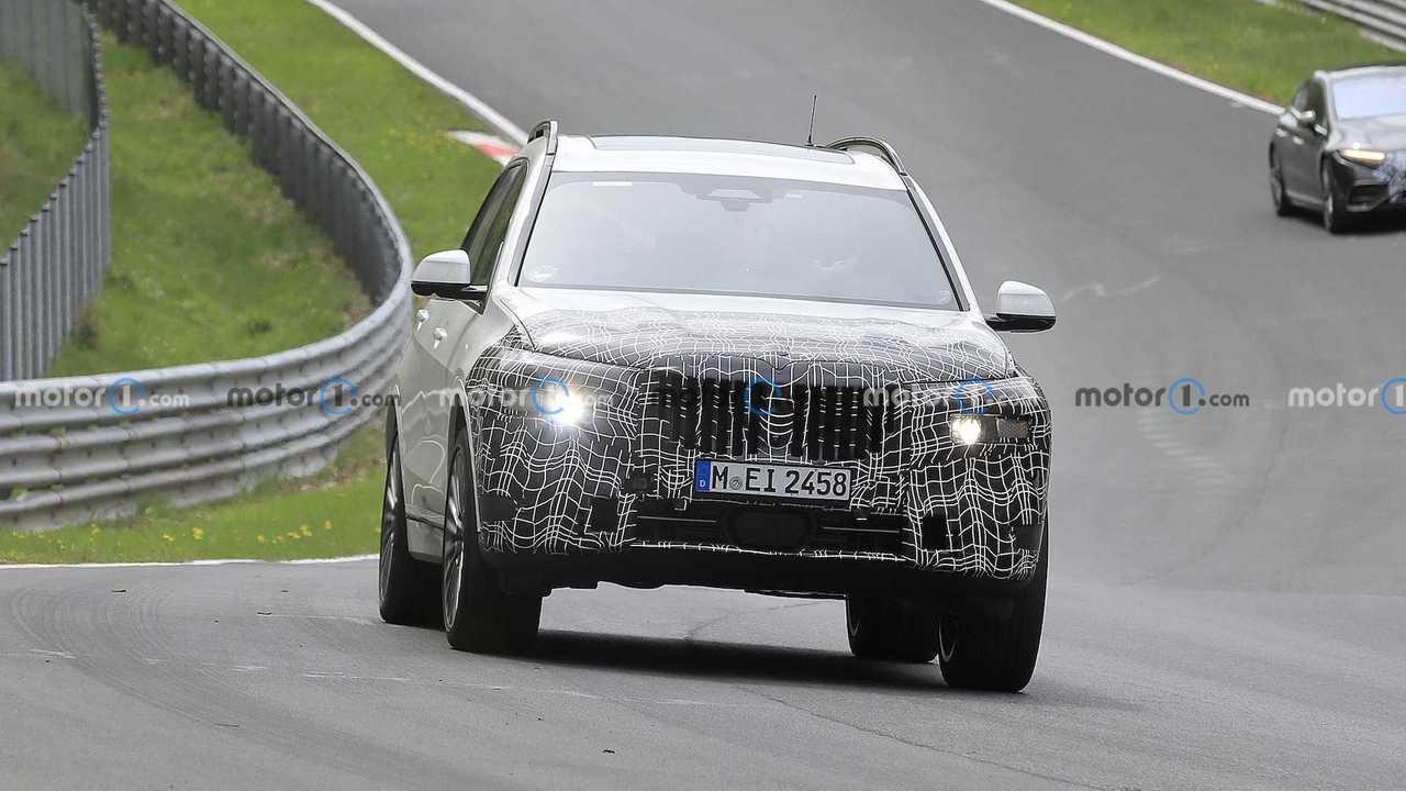 BMW X7 Facelift New Spy Shots