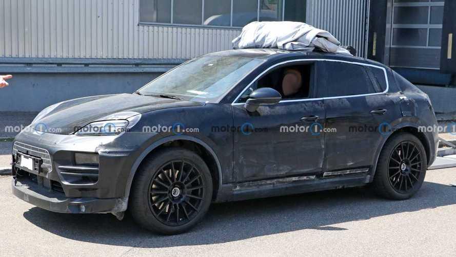 Elektrikli Porsche Macan yine casus kameralara yakalandı