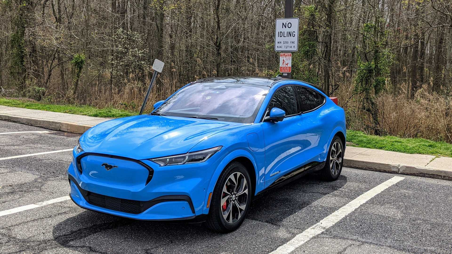 2021 Ford Mustang Mach 1 News