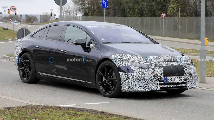 La Mercedes EQS farà 770 km con un pieno di batteria