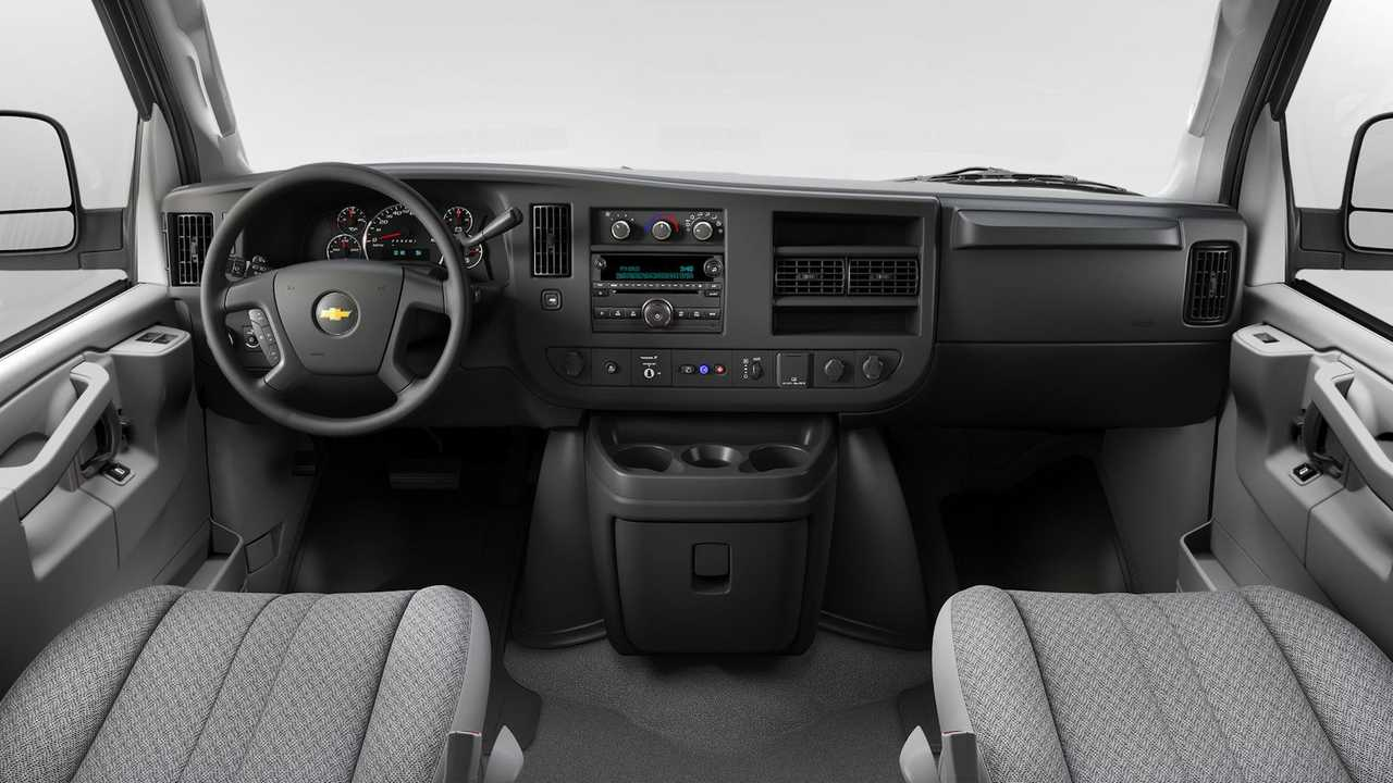 Chevy Express, GMC Savana CD Player Interior