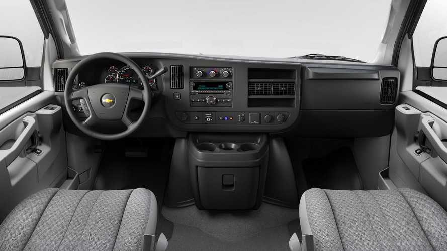 GM Discontinues CD Player From Passenger Cars For 2022MY