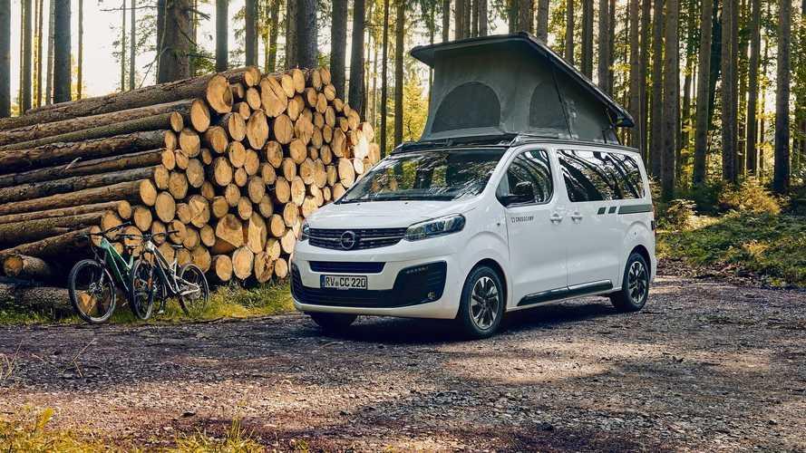 Opel Zafira Life Crosscamp Lite, una furgoneta camper con tres camas