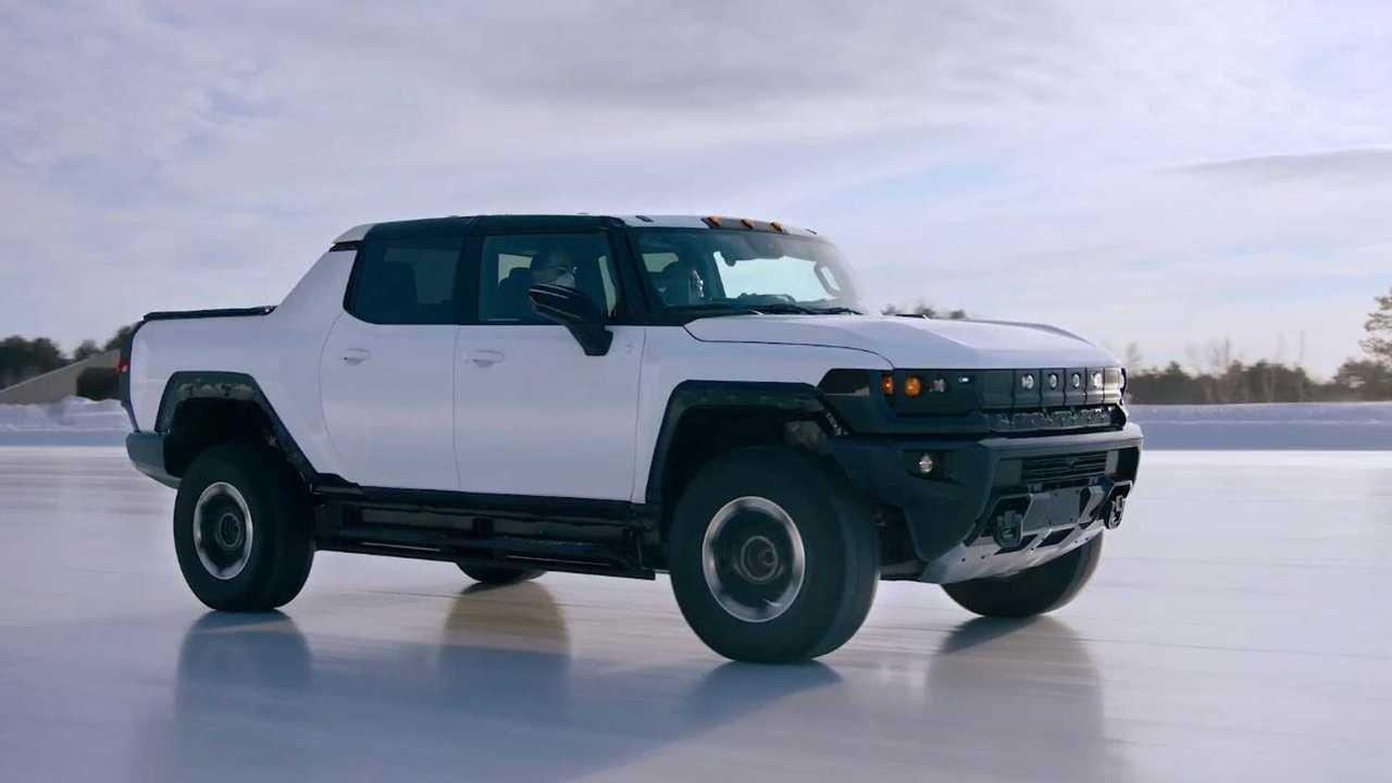 GMC Hummer EV - teste na neve - perfil