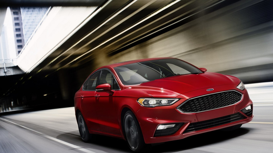 2017 Ford Fusion V6 Sport features pothole mitigation technology [video]