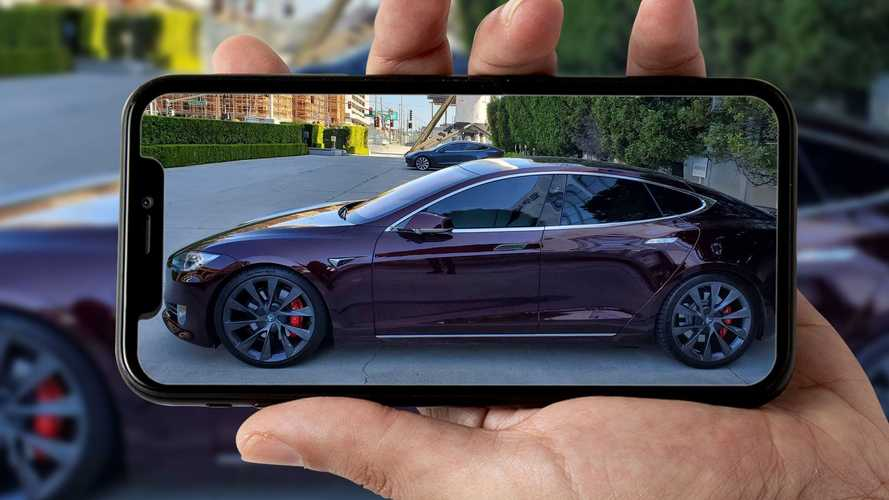Com'è la Model S di Elon Musk? Potrebbe svelare un nuovo colore Tesla