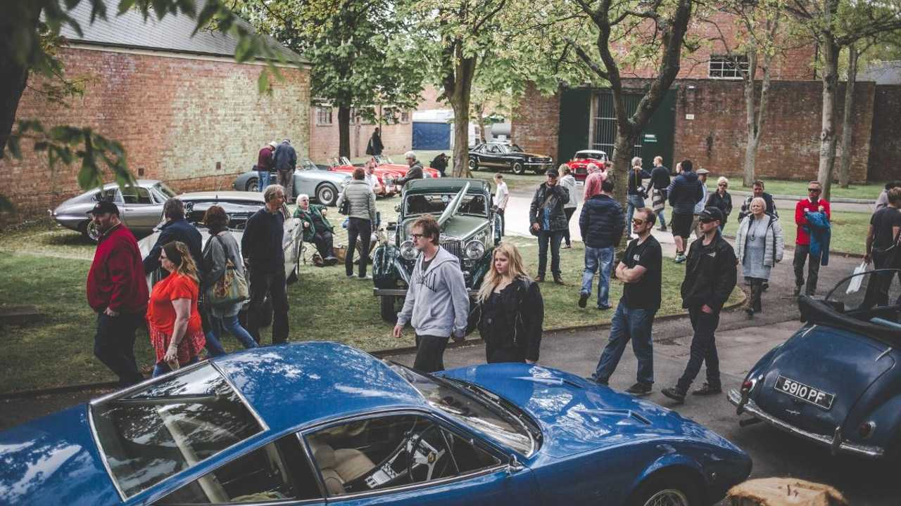 Register now for live Goodwood screening at Bicester Heritage