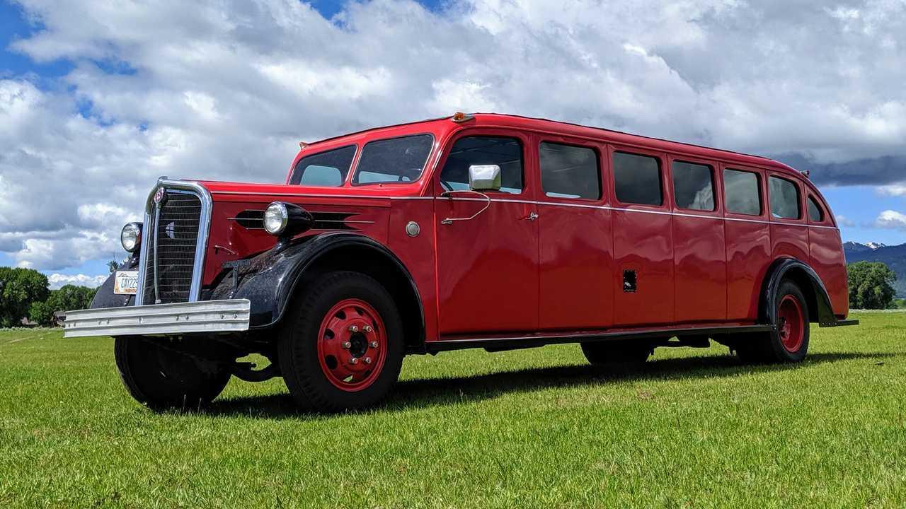 1937 Kenworth Tour Bus Mount Rainier