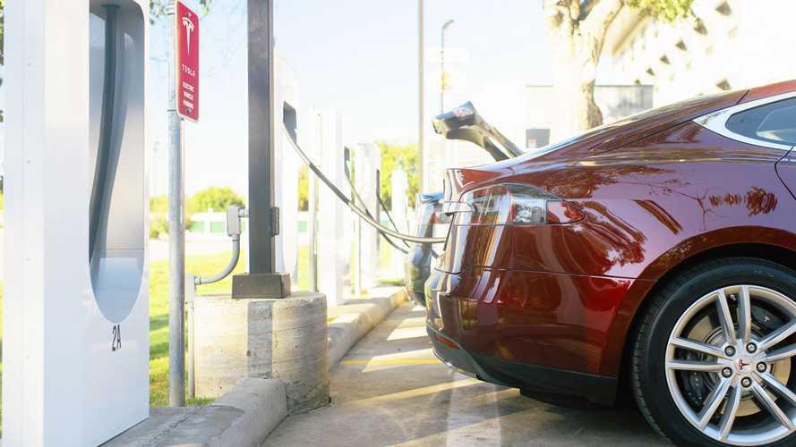 Tesla покупает производителя конденсаторов Maxwell