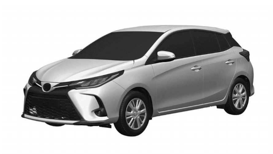 Novo Toyota Yaris? Versão reestilizada aparece em registro na Argentina