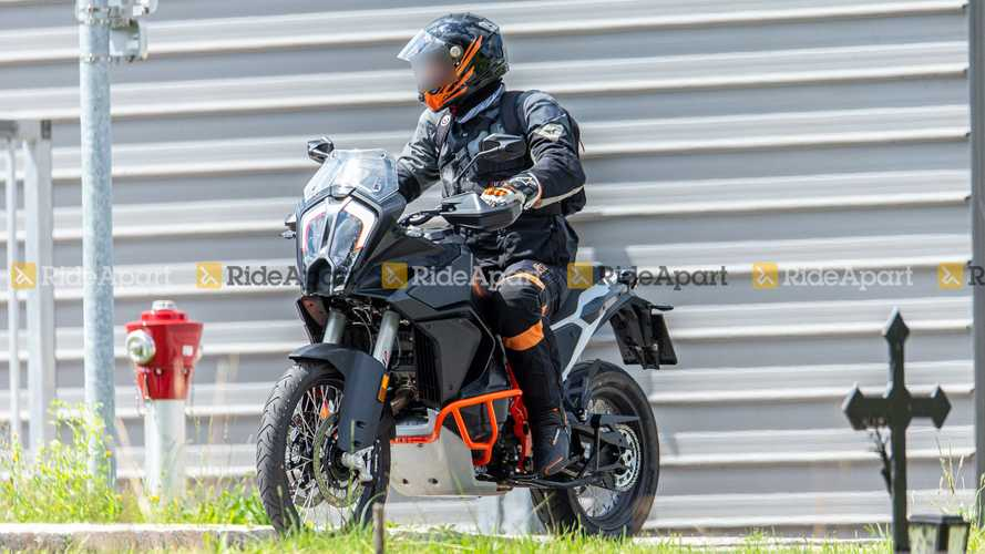 2021 KTM 1290 Super Adventure Spy Photos