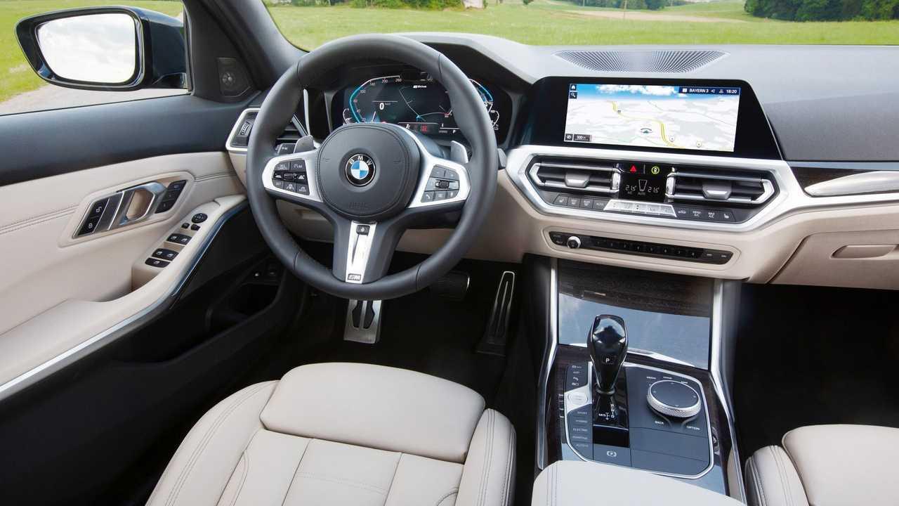 BMW 330e Touring interior